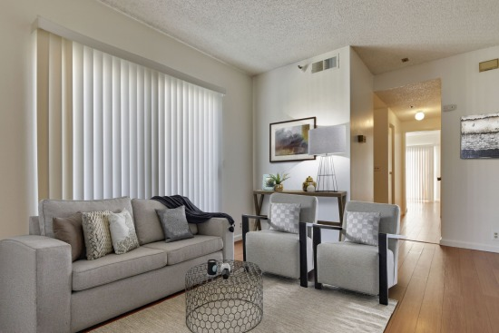 virtual staging - 730 W 4th St 407