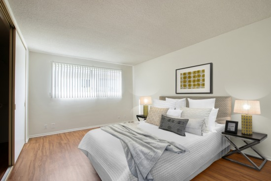 virtual staging - 5320 Newcastle Ave Unit 120 - bedroom