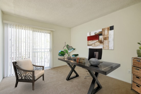 virtual staging - 14955 Dickens St Unit 205